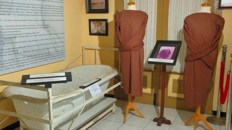 Alat hydrotherapy di museum kesehatan jiwa
