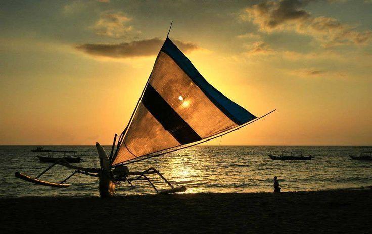 Keindahan senja di Pantai Sekotong