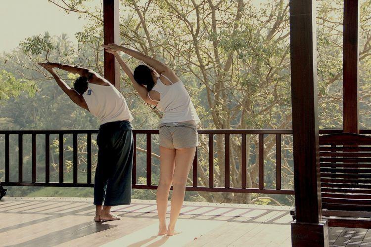 Instruktur yoga yang rajin jalan2? Kenapa enggak?