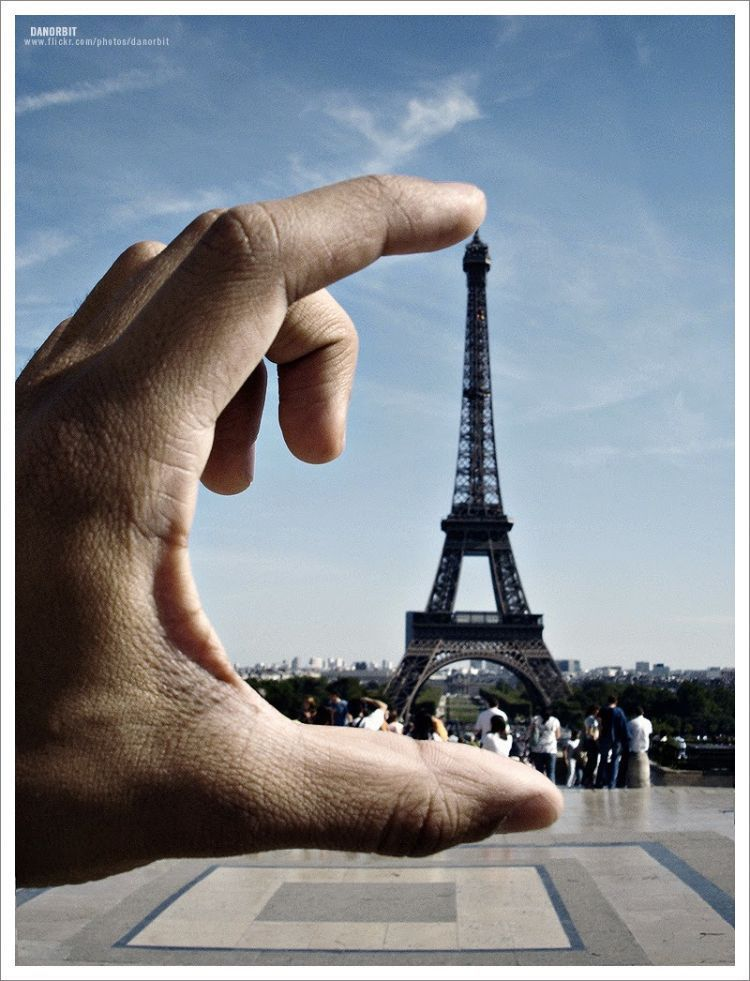 Pose didepan Paris