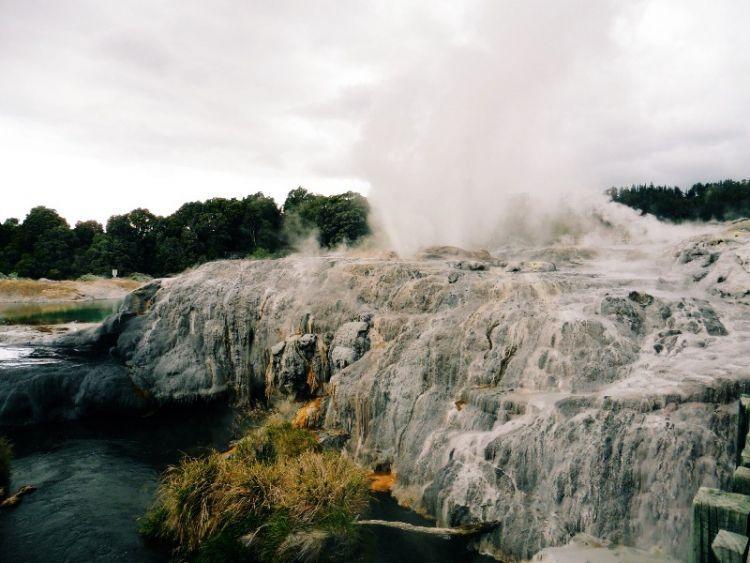 Pohutu Geyser, Rotorua, via Azarine Kyla Arinta.