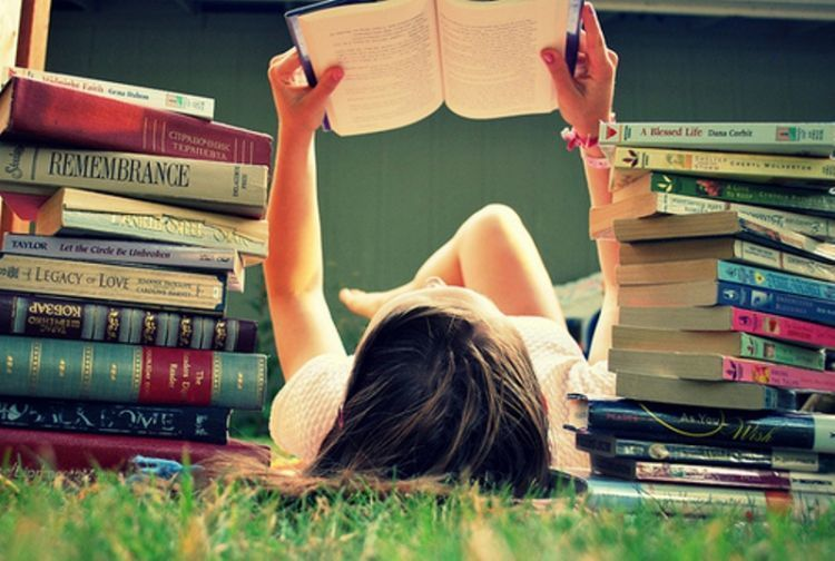 biasakanlah membaca novel