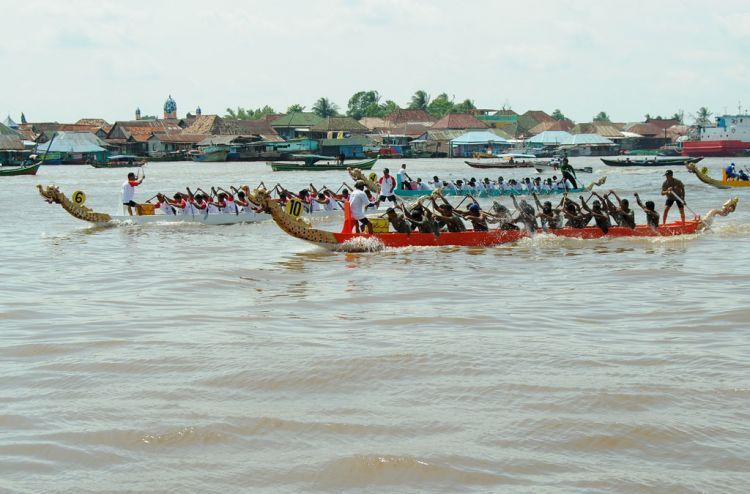 lomba perahu bidar