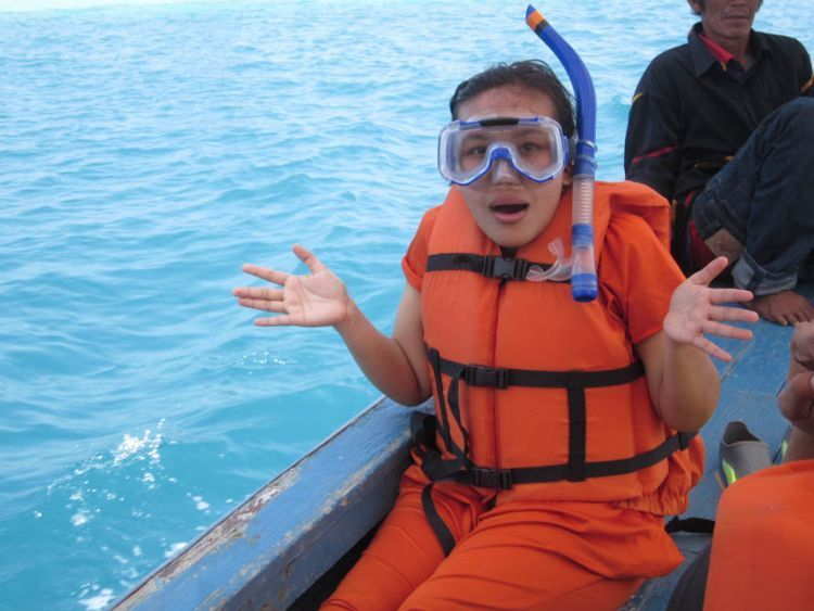 Cek peralatan snorkeling