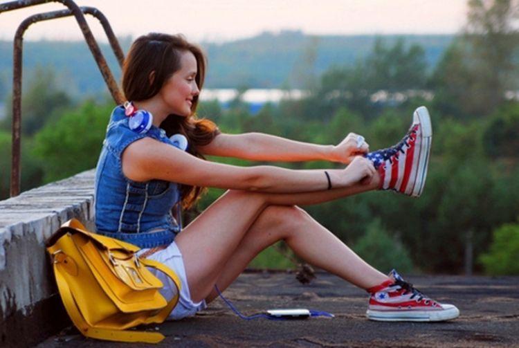 sepatu andalan: converse  sama flat shoes