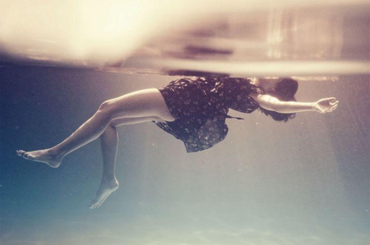 "jangan ""tenggelam"" dalam kesedihanmu"