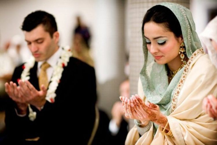 Calon suami atau istri dari anaknya harus yang seiman!