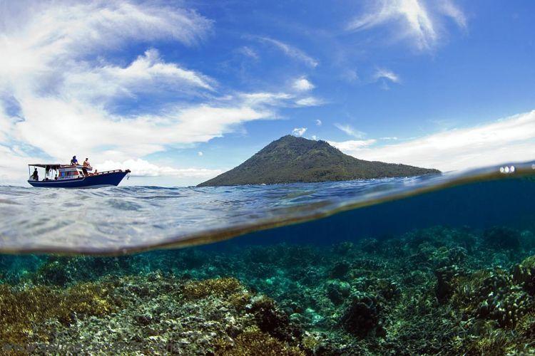 Pulau Manado Tua