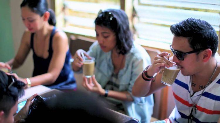Sesap nikmatnya kopi Manggar yang legendaris