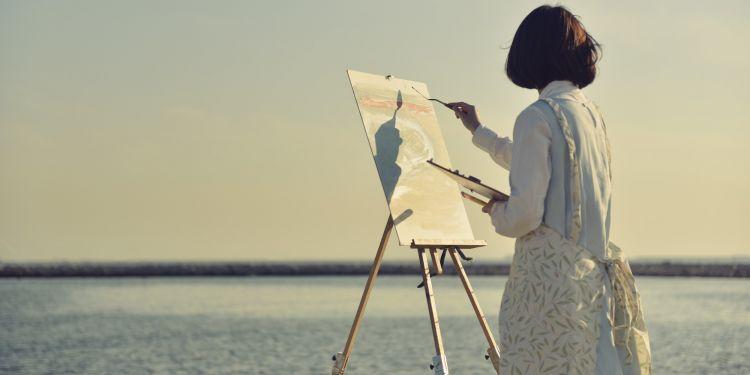 Menggambar bisa jadi modal untuk mengajar