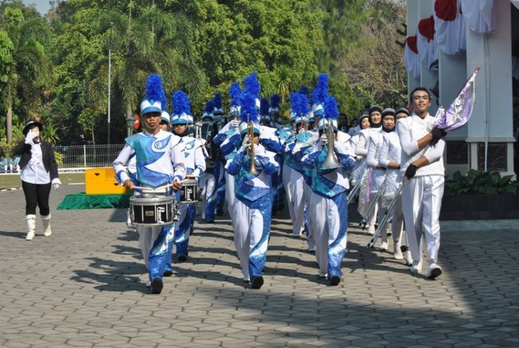 marching band UNS luar biasa!