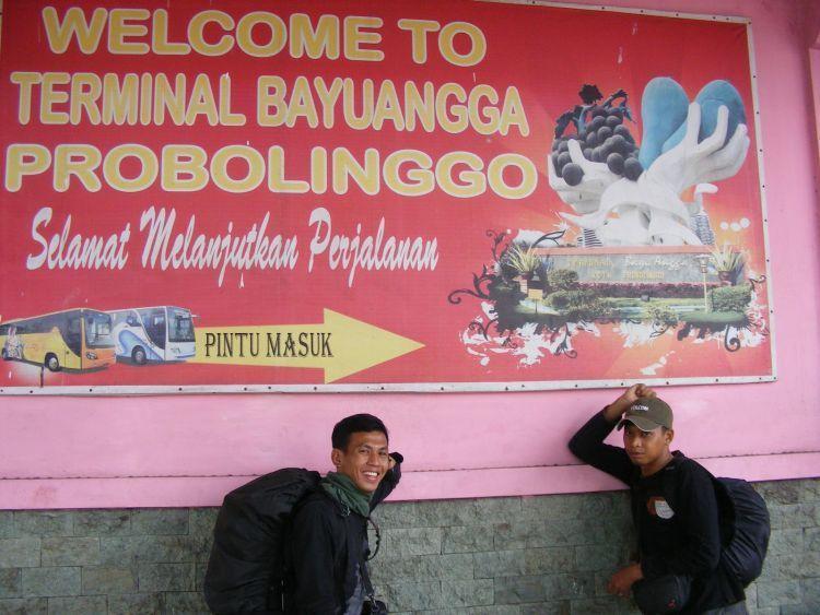 Narsis dulu di Terminal Bayuangga, Probolingo