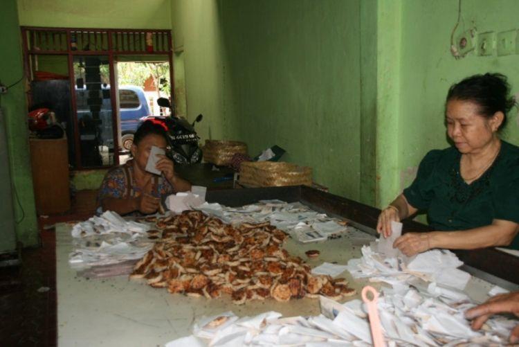 Home industri pembuatan wingko Babat