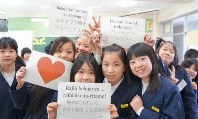 Kamu bisa jadi guru bahasa Indonesia di luar negeri