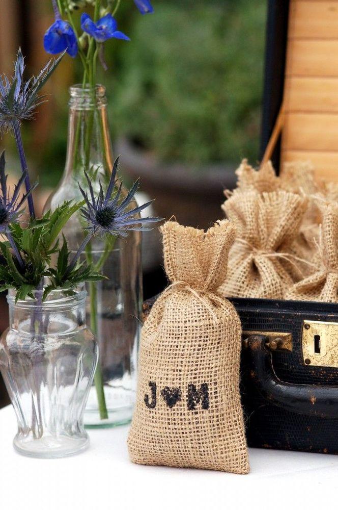 Sekantong kecil biji kopi bisa jadi oleh -oleh pernikahanmu