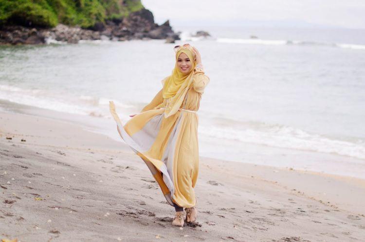 Ghaida dan gaya berpakaian hijab syar'inya