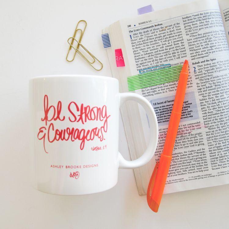 Ciptakan custom mug buatan sendiri. Semangati kekasihmu lewat cara yang menyentuh hati