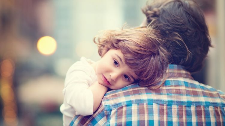 Untuk Seseorang Yang Tak Kukenal Sebelumnya Yang Kupanggil Ayah