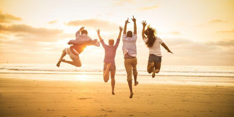 Manusia terlahir untuk bahagia