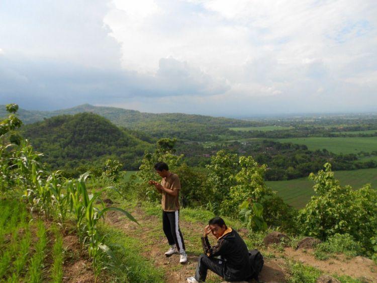 Pemandangan dari Puncak Clongop