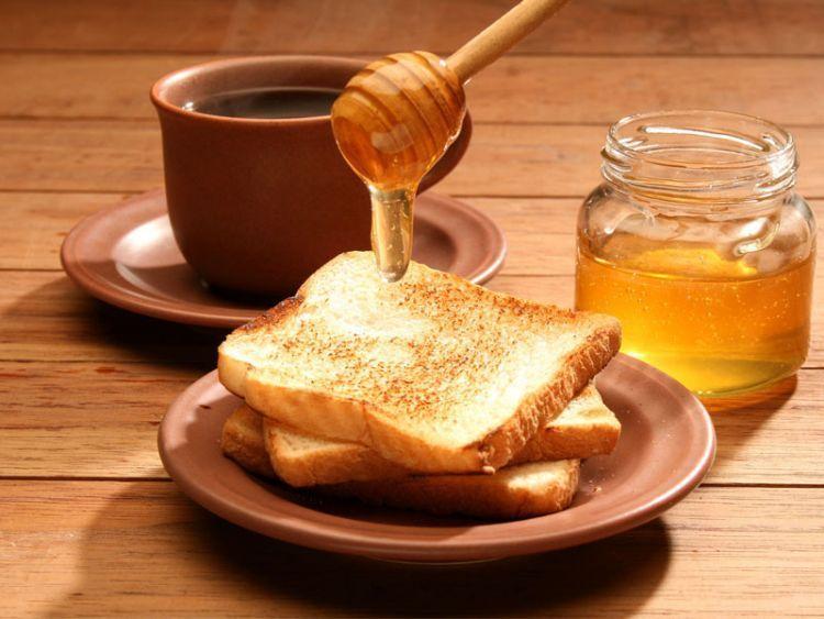 Minum madu biar tetap berstamina