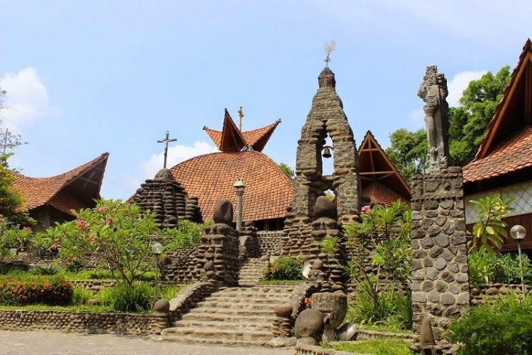 Gereja antik Kediri
