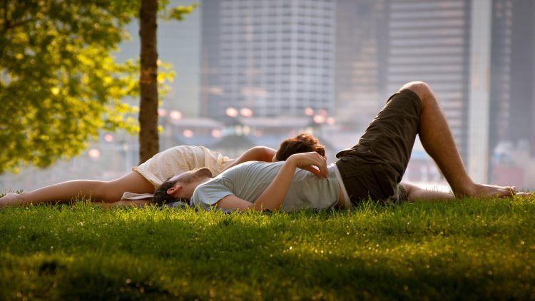 Apapun yang terjadi toh kita saling menemukan di ujung hari