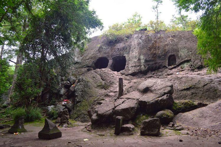 Tempat pertapaan Dewi Sekartaji