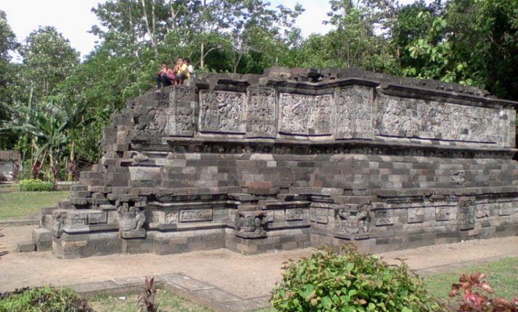 Candi Surowono