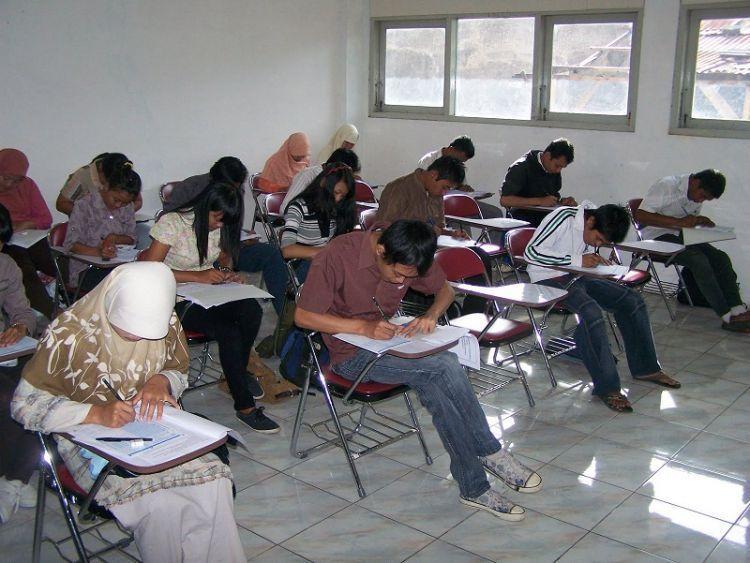 Mahasiswa yang nongol ketika ada ujian doang
