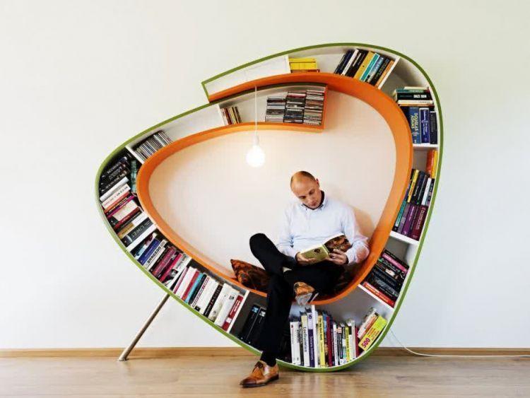 Kursi praktis untuk perpustakaan unik