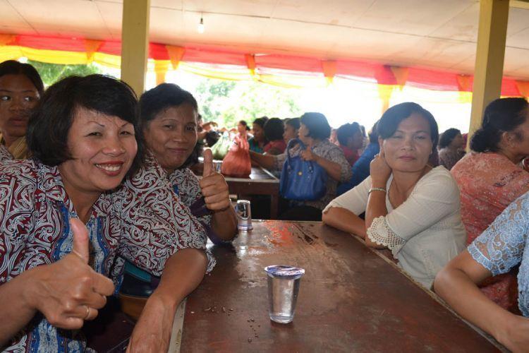 Ibu-ibu guru dari Balige