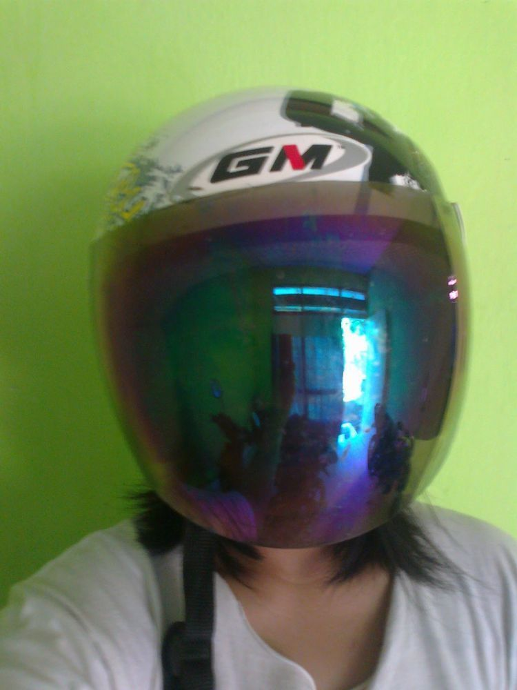 Dibalik helm ini, acara ngupilmu tak akan ketahuan banyak orang