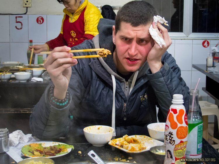 Makan pedas, sediakan tisu