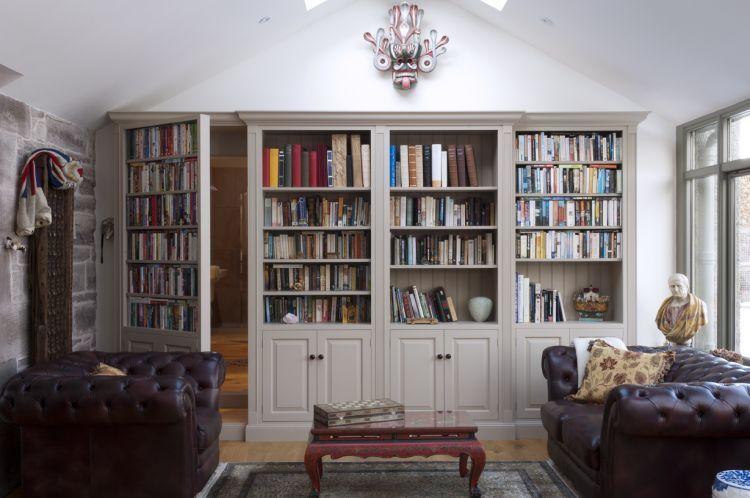 Pintumu juga bisa dibikin tempat buku perpustakaan di rumah