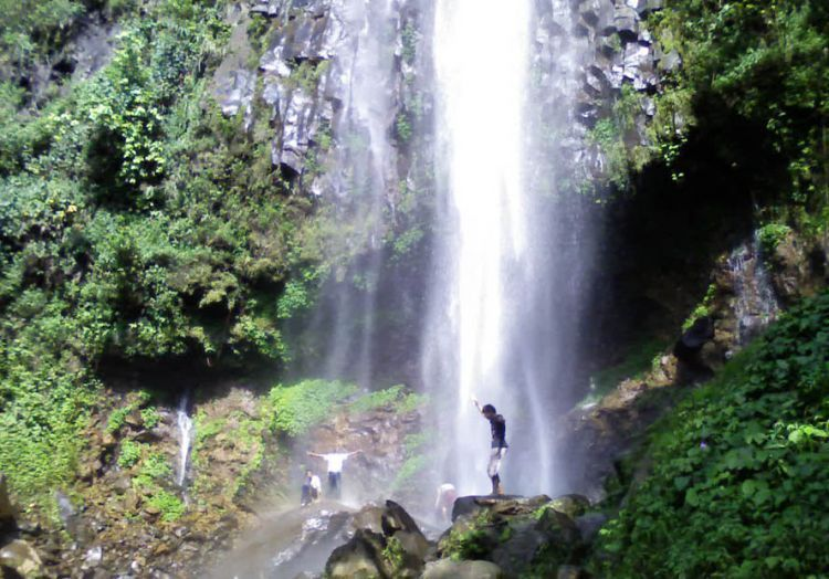 Air terjun Monthel