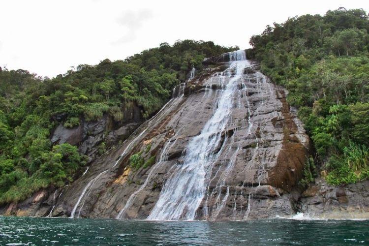 Air Terjun Mursala, Perpaduan air tawar dengan asinnya air laut