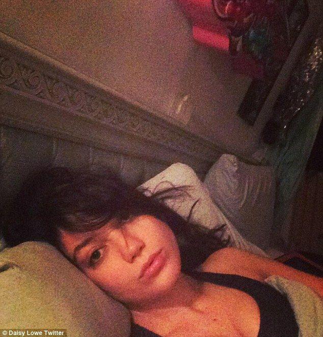 Meski bangun tidur tapi tetep keliatan cantik kan