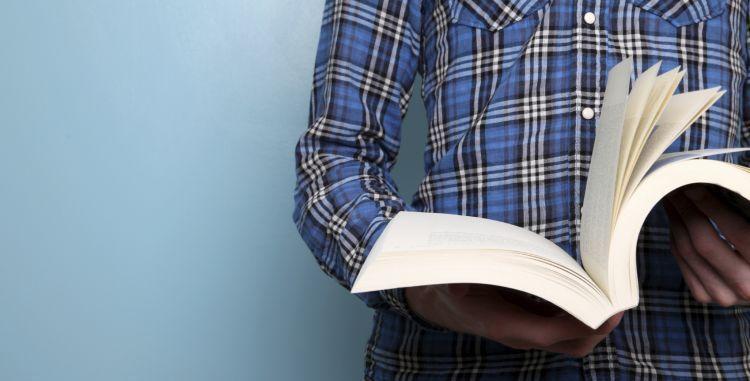 Baca 1-2 lembar dari bukumu