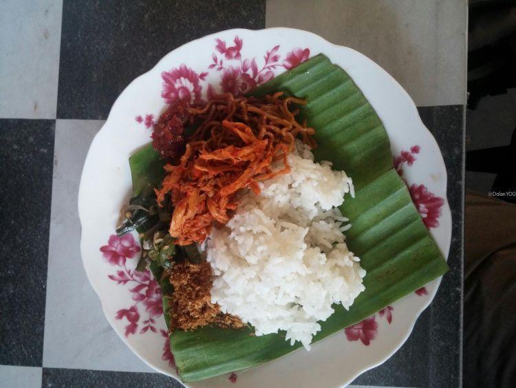 Nasi Jinggo yang enak buat sarapan.