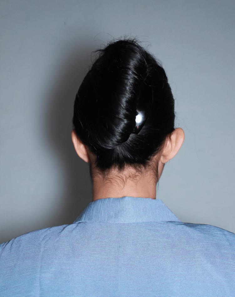 Kalau rambutmu panjang banget, cepol ini bisa sempurna.