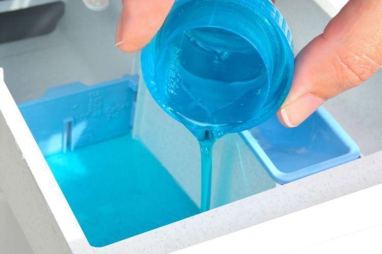 Gunakan deterjen cair