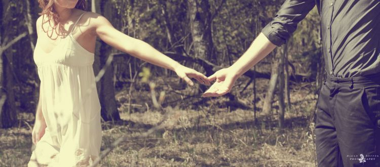 Genggam tanganku, Sayang. Priaku yang luas hatinya
