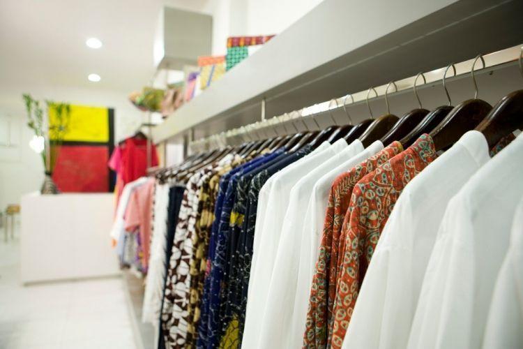 Baju awul-awul bisa disulap indah dan mirip barang butik.