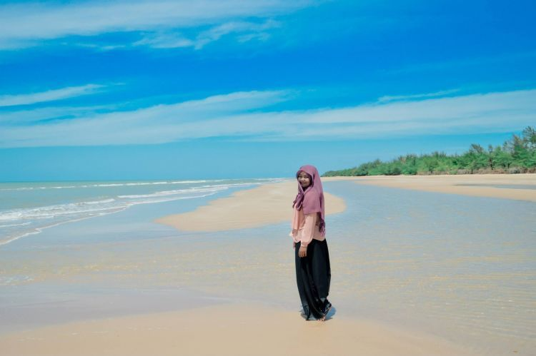 kecantikan pantai Lombang