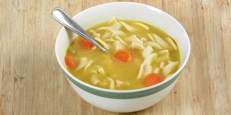 Makan sop untuk meredakan flu