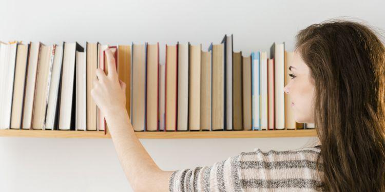 Perbanyak waktu dan buku untuk dibaca
