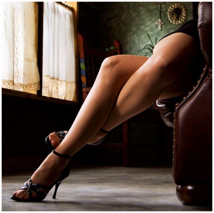 Menambah kilau kaki agar terlihat jenjang