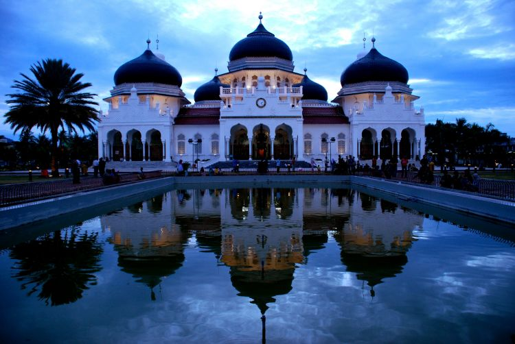 Aceh, dengan ajaran Islamnya yang kental
