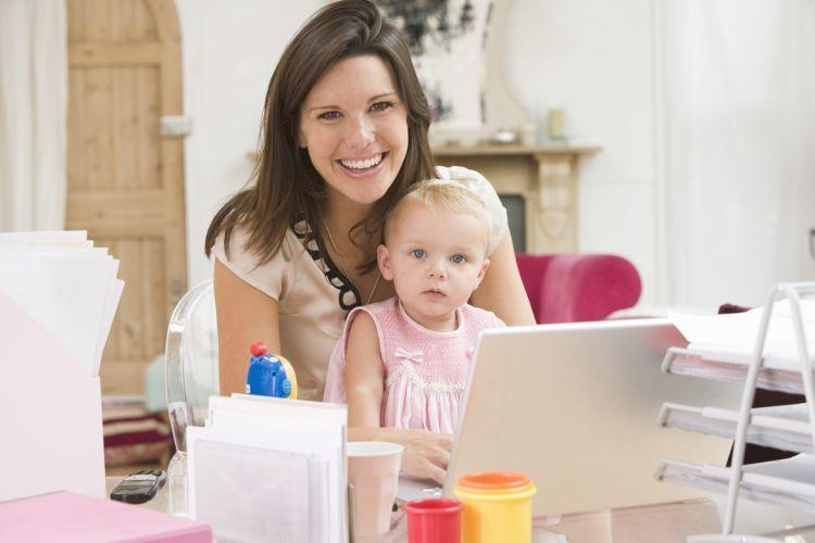Ibu rumah tangga bekerja jual beli saham
